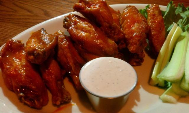 Cuzzys - Wings